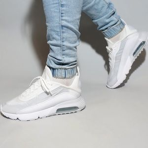 🌸 NIKE AIR MAX 2090 White Sneakers Shoes NEW
